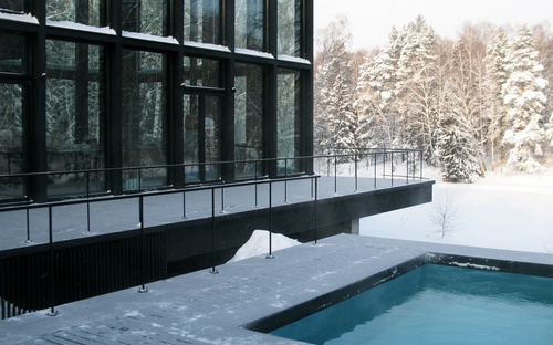 Guest & Bath House 11