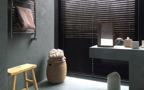 Guest & Bath House 111